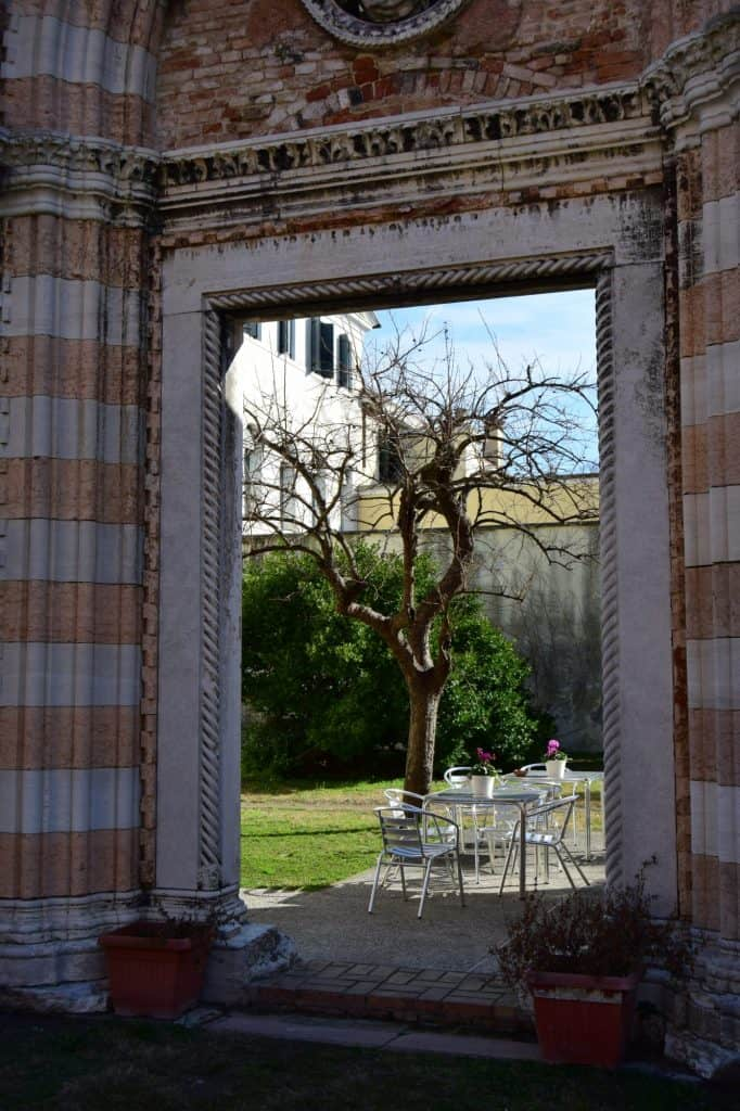 the garden iside the ostello della fosca were you can find ruins of one of the biggest gothic church